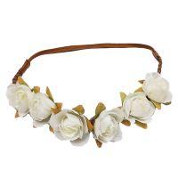 Haarband mit weißen Blumen
