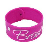 Pinkfarbenes Braut-Schnapparmband mit Herzen fuer den JGA