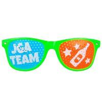 Gruene Rasterbrille mit JGA Team-Aufdruck