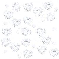 Streudeko mit weißen Herzen für die Hochzeitsfeier