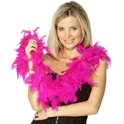 Pinke Federboa mit Model