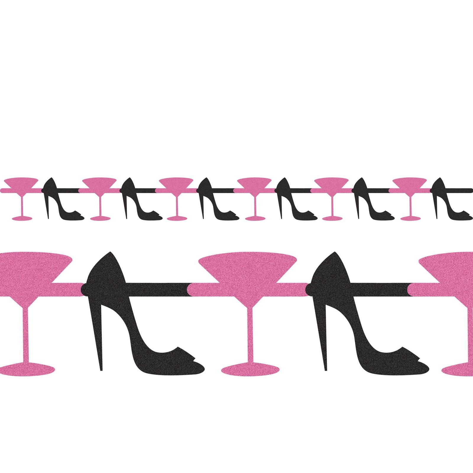 Girlande mit Cocktail-Gläsern und High Heels