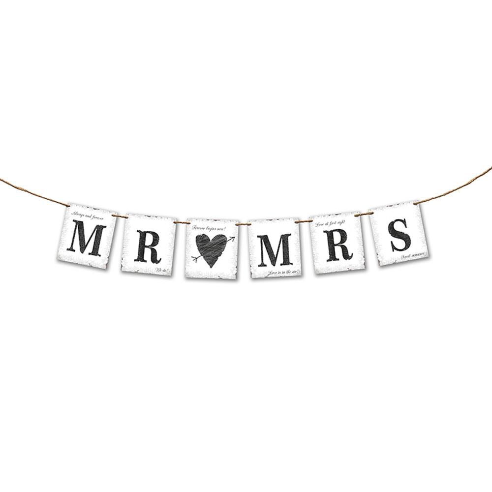 Hochzeitsgirlande mit Aufschrift Mr. und Mrs.