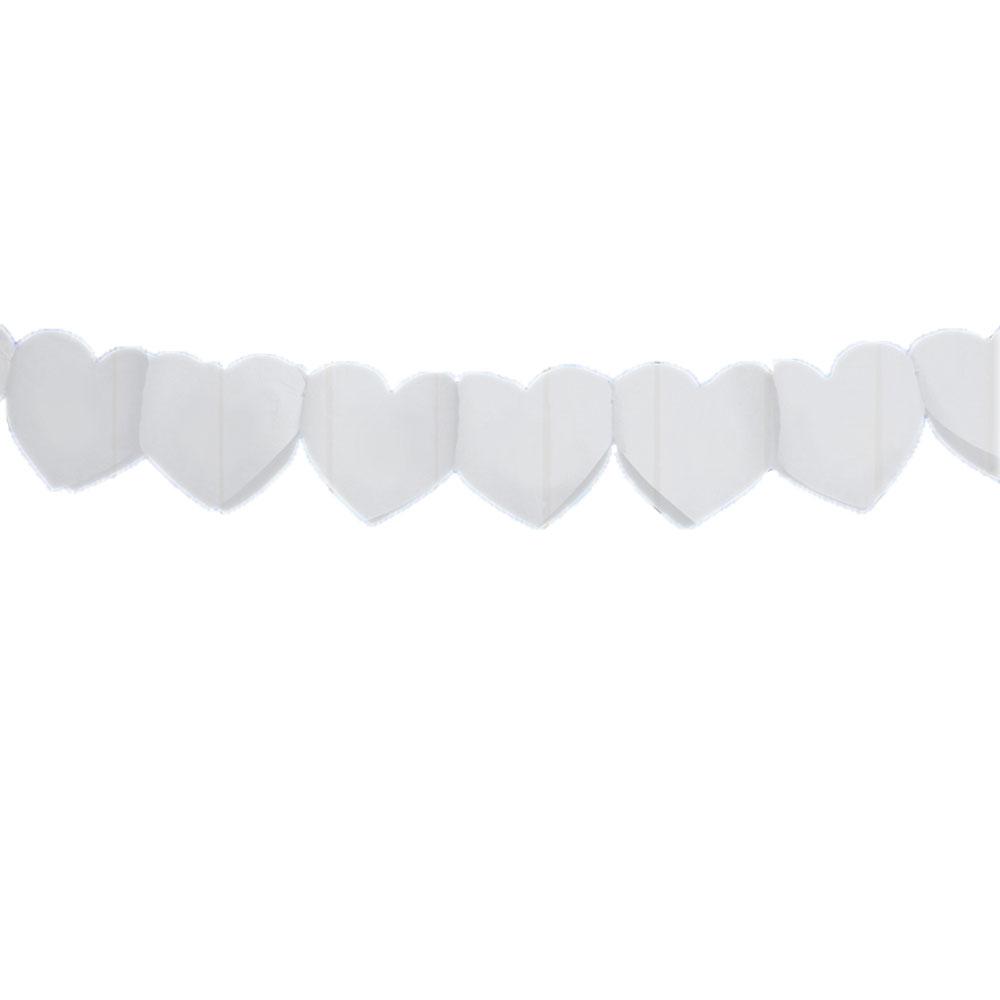 Papiergirlande mit weißen Herzen