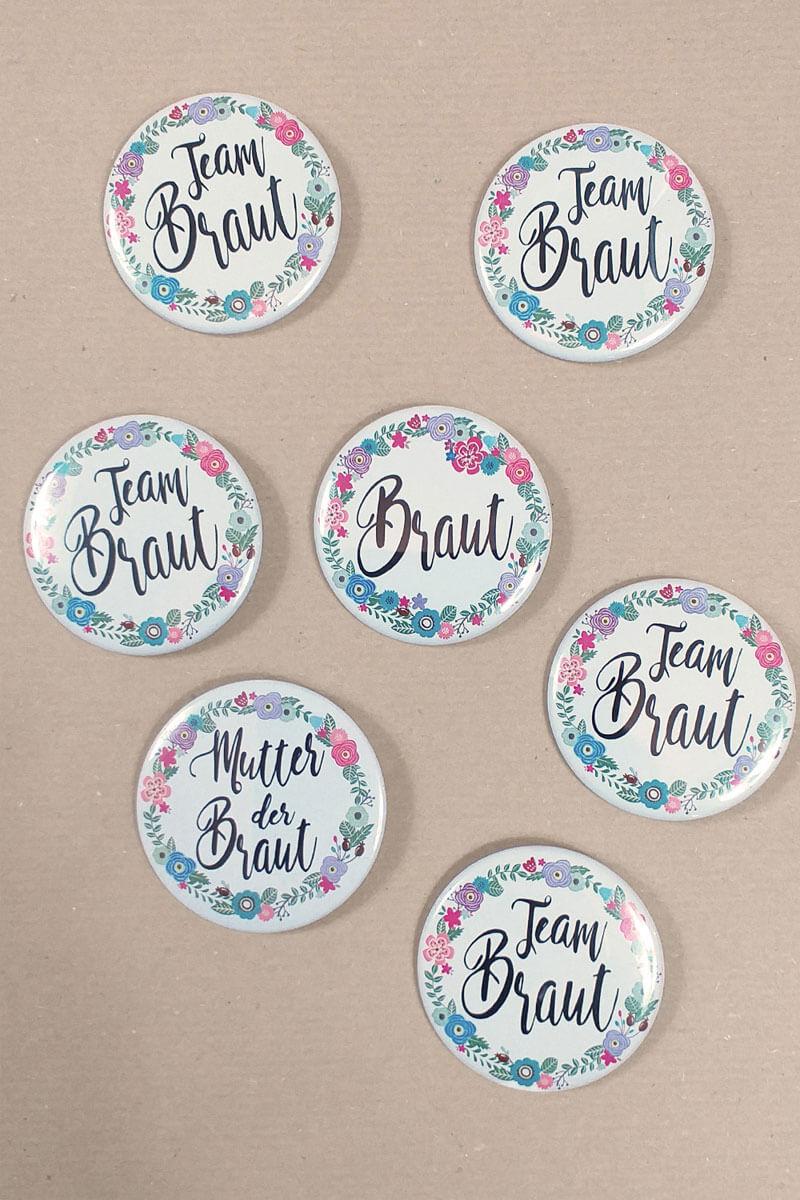 Damen JGA-Buttons mit Blumenkranz-Motiv