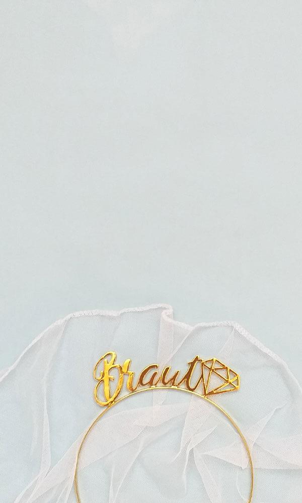 Braut-Kronen und Schleier für den Junggesellinnenabschied