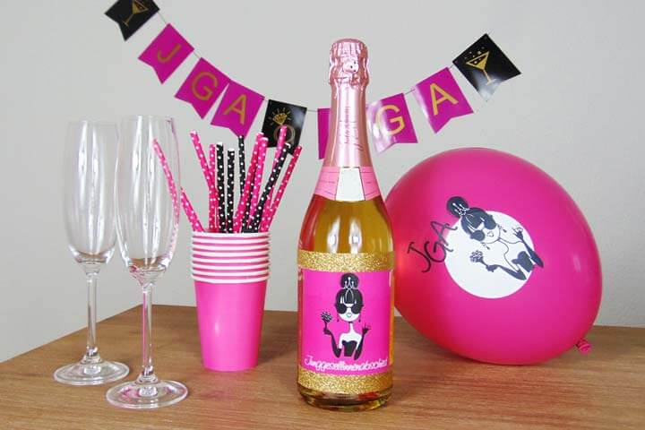 JGA Flaschen-Label Dolly in Pink - Comic-Braut