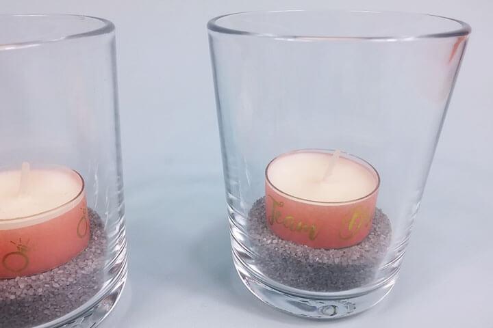 Mit Washi-Tape verzierte Teelichter als JGA Deko