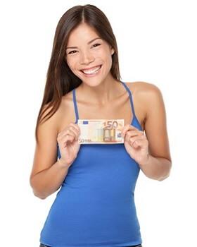 Frau mit Geldschein